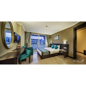 Catamaran Resort Hotel 5*